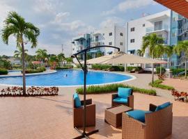 Four J's Residence, hotel near Cibao International Airport - STI,