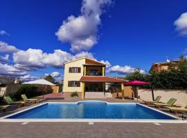 House ANA - Loborika, Pula, 4 bedrooms, vacation rental in Loborika