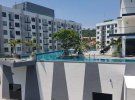 Arcadia Beach Resort Pool View, apartment in Pattaya South
