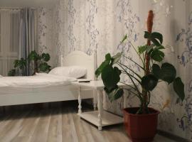 "Guest house in Kiev with 3 rooms, готель типу ""ліжко та сніданок"" у Києві"