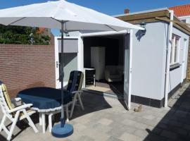 Studio Westkapelle Koudorpstraat 10A, holiday home in Westkapelle