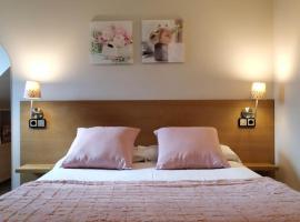 Aparthotel El Serch, hotel cerca de Caldea, Andorra la Vella