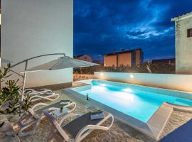 Star 5 modern & centrally ap for 4, hotel with pools in Novalja
