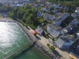 Fährblick - Pension und Restaurant direkt am Wasser, hotel in Sassnitz