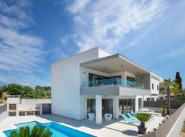 Apartment Villa Fasana, luxury hotel in Fažana