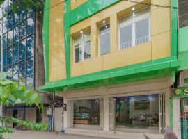 RedDoorz Plus near RS RK Charitas 2 Palembang, guest house in Palembang