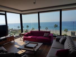 Arnelya Beach Penthouse 285m2, отель в городе Аланья