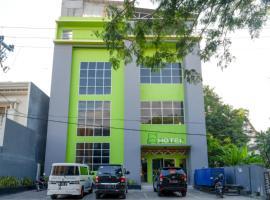 RedDoorz @ G Hotel Luwuk, hotel in Bimpang