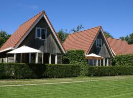 Eureka Vakantiehuisjes, cabin in Schoorl