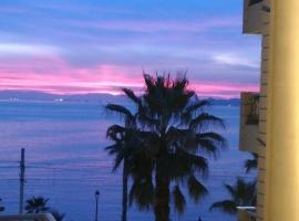 Athens Riviera apt with seaview, 15' to Acropolis, hotel in Athens