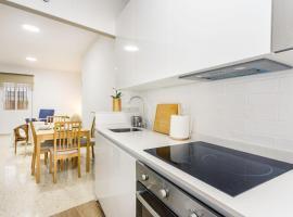 Apartamentos Sta María La Blanca, pet-friendly hotel in Seville