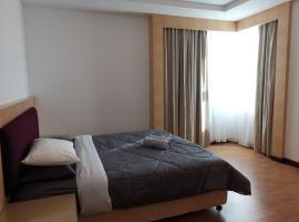 Bernard Holiday Home 2 @ Boulevard Imperial Suite Kuching, hotel near Kuching Airport - KCH,