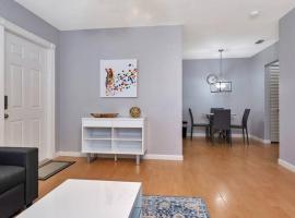 PERFECT PLACE IN FORT LAUDERDALE CLOSE TO AIRPORT AND CRUISE PORT -SEA N SUN 1015, vacation rental in Fort Lauderdale