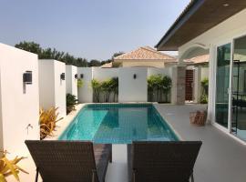 villa 3 bedrooms Orchid paradise homes, hotel in Hua Hin