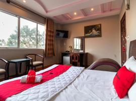 RedDoorz near Cau Vuot Linh Trung, hotel near Giang Dien Waterfall Tourist Site, Ho Chi Minh City