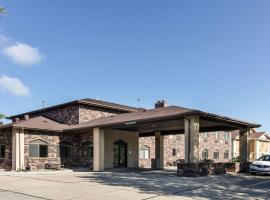 Quality Suites Near West Acres, hotel v destinaci Fargo