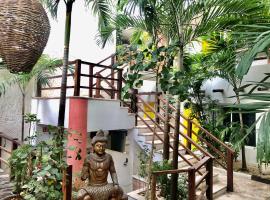 RUSTIK INN, hotel near Kool Beach Club, Playa del Carmen
