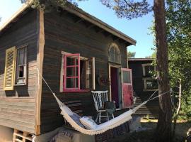 Fide Äventyrsby & Camping, hotell i Fidenäs