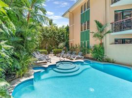 Martinique On Macrossan, hotel near Marina Mirage, Port Douglas