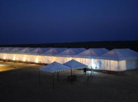 Sky Desert Safari, hotel in Sām