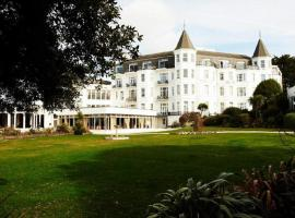 Royal Bath Hotel & Spa Bournemouth, hotel with jacuzzis in Bournemouth