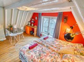 Attic Monkeys Lodge, pet-friendly hotel in Amsterdam