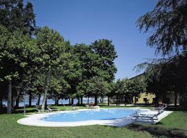 Hotel Lugana Parco Al Lago, hotel near Terme Sirmione - Virgilio, Sirmione