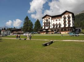 Hotel Lavaredo, hotel en Misurina
