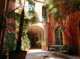 Rue du Château, bed & breakfast a Tarascona