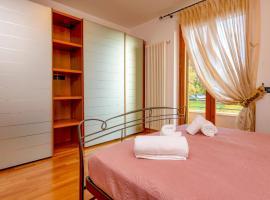 My Peschiera Family Home XL, cabin in Peschiera del Garda