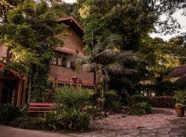 Hospedagem Vila Suíça, hotel with jacuzzis in Gramado