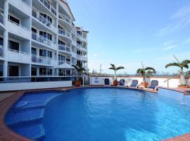 2 Bedroom Alex Unit - Ocean, Pool and Park Views, hotel in Maroochydore