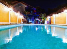 Baan 4 bedroom villa with private swimming pool ค็อทเทจในหาดจอมเทียน