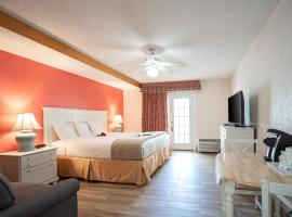 Island Sun Inn & Suites - Venice, Florida Historic Downtown & Beach Getaway, hotel in Venice