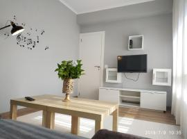 Apartment with 3 bedrooms in Cee with balcony and WiFi 2 km from the beach, hotel in Cee