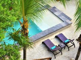 La Puerta Azul Beachfront - Adults Only, hotel in Holbox Island