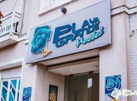 Hostel Playa Grande Suites, hotel cerca de Playa Chica, Mar del Plata