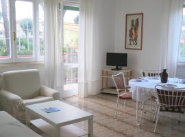 The Bright House, pet-friendly hotel in Anzio