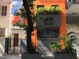 DeROSE Ipanema - quarto no coração de Ipanema, hotel near Post 9 - Ipanema, Rio de Janeiro