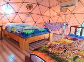 Nativa Whale Domes, luxury tent in Puerto López