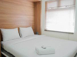 Modern with City View 2BR at Green Pramuka Apartment By Travelio, hotel in Jakarta