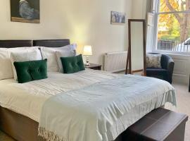 Grosvenor Apartments, pet-friendly hotel in Bath