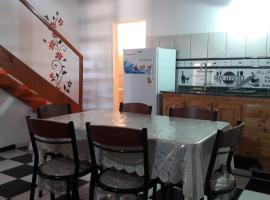 Duplex Acogedor con garage privado, departamento en Puerto Iguazú