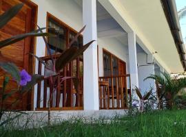 Elisa Homestay Areguling, hotel in Kuta Lombok