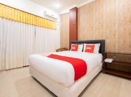 OYO 1695 Royal Senggigi Hotel, hotel in Senggigi