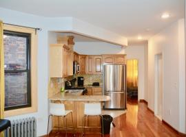 The Topping Three-Bedroom Apartment, hotel in Bronx