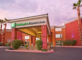 Holiday Inn Express Hotel & Suites Scottsdale - Old Town, an IHG Hotel, resort in Scottsdale