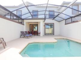 Stunning 4 Bd w/ Pool at Champions Gate Resort 8989, villa in Davenport