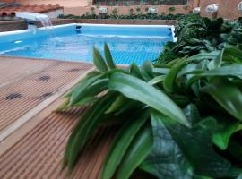 ChrisAndro Apartments, hotel with pools in Athens