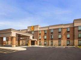Super 8 by Wyndham St. Louis North, hotel in Saint Louis